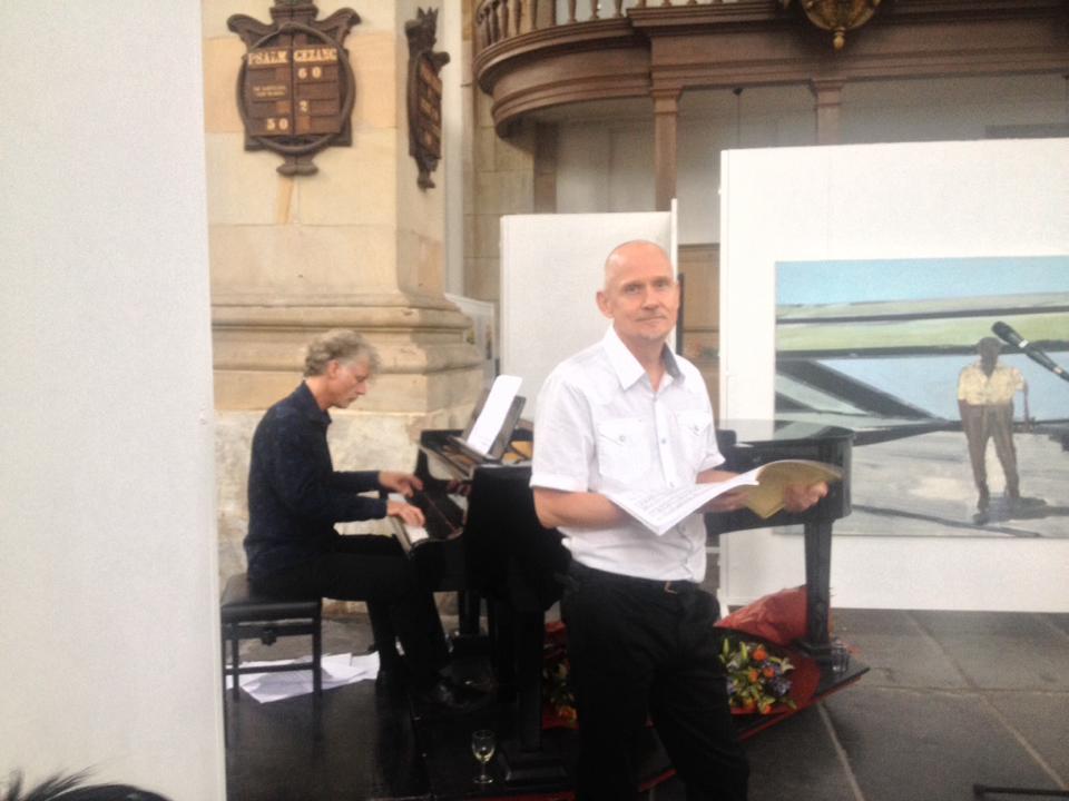 Muziek bij de opening, op piano Joop, zang Jouke